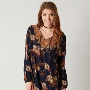 Gimmicks Floral Tunic Top